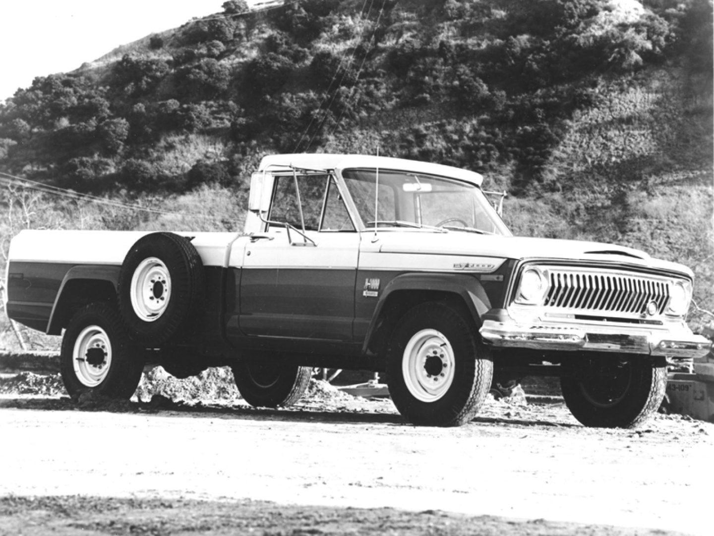 1960s 19601970 Mercedes Benz Trucks Image Alt