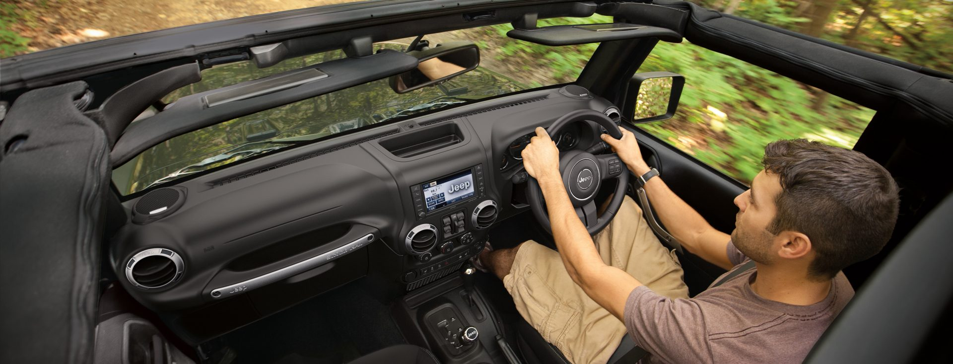 jeep wrangler unlimited interior features. Black Bedroom Furniture Sets. Home Design Ideas